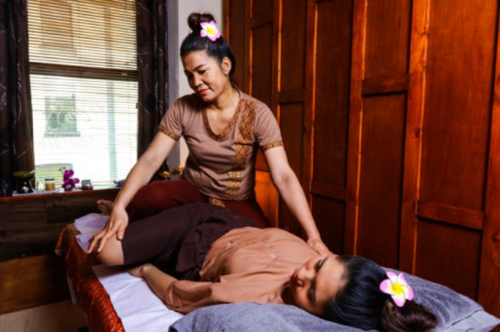 90 minutes - Full body massage + Indian head massage