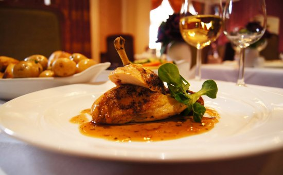 SUNDAY LUNCH FOR TWO at Dumbleton Hall with Glass of Wine